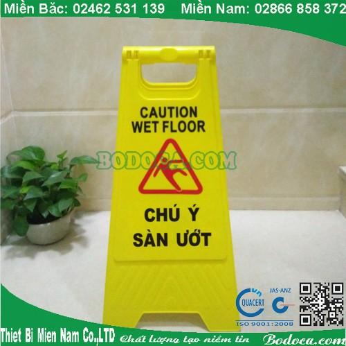 Biển báo chú ý sàn ướt cho bệnh viện